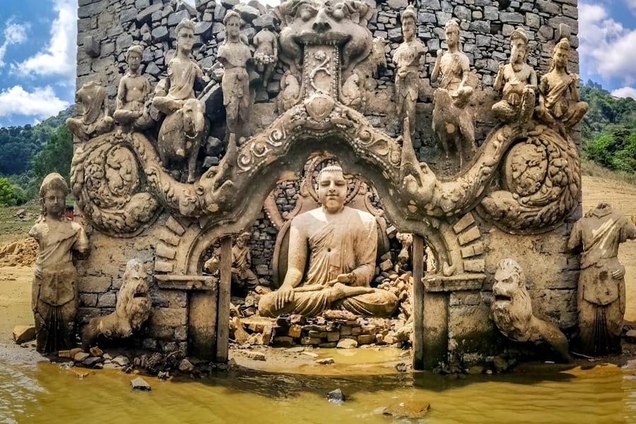 Затопленный храм